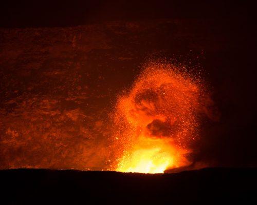 volcano-2062877_1920